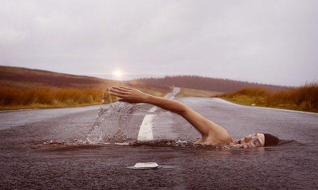 nadador en asfalto 1
